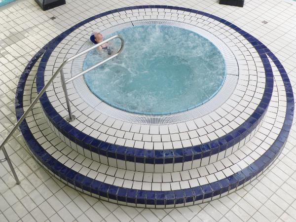 Baln o la piscine des trois ch teaux bien tre for Piscine ribeauville spa